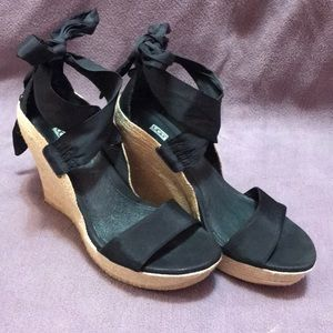 UGG JULES wedges in box